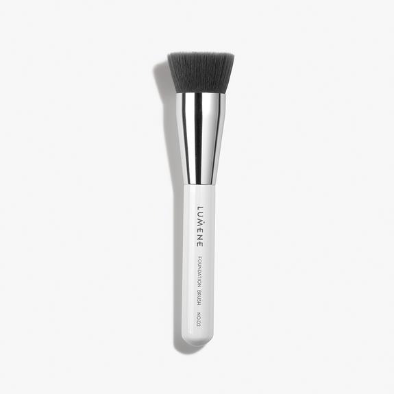 Nordic Chic Foundation Brush No.02